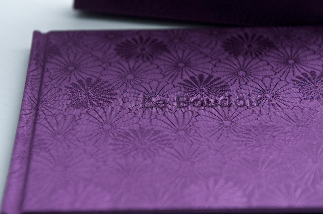 Embossage personalisé. - Custom embossing.
